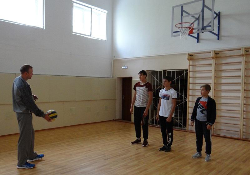 Красносельцам отремонтировали школьный спортзал